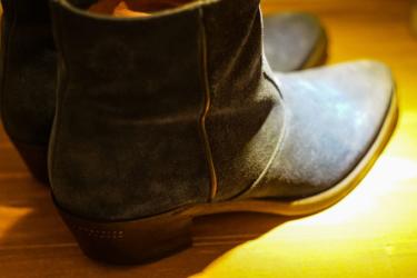 靴を磨くのは父の影響かな。